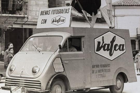 """""""VALCA. Euskal industria kimiko bat, irudi fotografikoaren zerbitzura"""""""