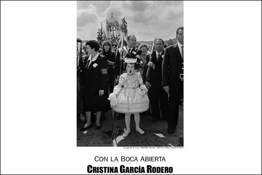 """Con la boca abierta"", Cristina García Roderoren erakusketa"